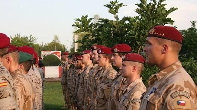 Nastoupená česká jednotka na misi v Mali. Snímek ze září 2015