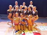 Lounské aerobičky vybojovaly v Belgii na místním mistrovství pět medailí.