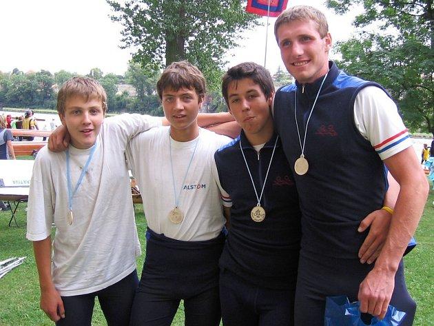 Lounští veslaři vybojovali v Roudnických sprintech tři první místa, dvakrát skončili druzí a ve čtyřech případech brali bronzové medaile.