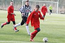 Utkání Strupčic (v červeném) proti Dobroměřicím na turnaji MH Cirus v Postoloprtech
