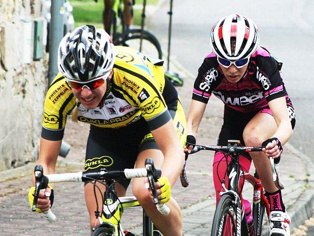 Blšanská dráhařka Lucie Hochmann a lounská cyklokrosařka Martina Mikulášková se společně ukázaly také na závodech ve Výškově.