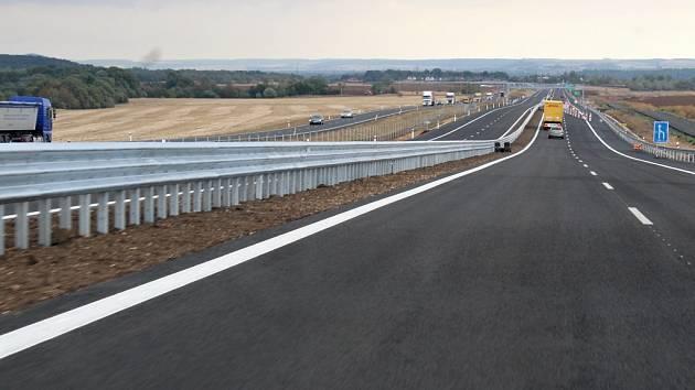 Slavnostní uvedení části dálnice D7 mezi Postoloprty a Bitozevsí do provozu.