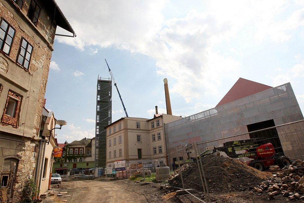 Tak probíhala v roce 2009 výstavba areálu Chrámu chmele a piva v Žatci