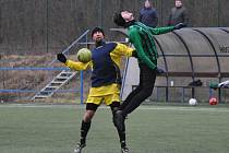 Vrbno (v zeleném) přijelo pouze s 8 hráči a tak si jeho dres oblékli i tři hráči soupeře a právě Jan Škoda z Cítolib pomohl hattrickem porazit svůj mateřský tým.