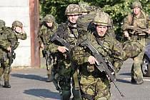 Vojáci v Žatci zahájili dvoutýdenní výcvik k začlenění nováčků k tamnímu mechanizovanému praporu a také jednotkám velitelství 4. brigády rychlého nasazení, jež ve městě sídlí.