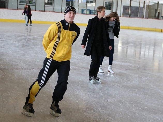 Veřejné bruslení na zimním stadionu vLounech