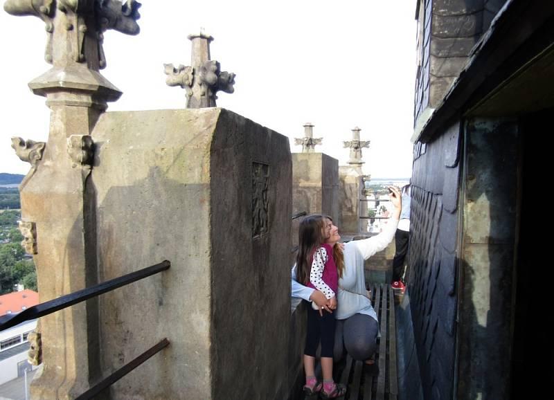 Z věže kostela sv. Mikuláše máte Louny jako na dlani.
