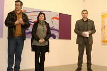 Tomáš  Pospiszyl, Kateřina Štenclová a ředitel Galerie XXL Ladislav Paur (zleva) při slavnostním zahájení výstavy.