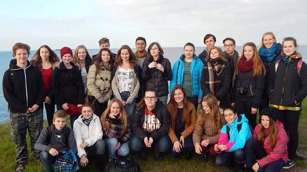 Pěvecký sbor Camerata ze ZUŠ Žatec vyjel spolu s Žateckým příležitostním sborem na koncertní turné a současně na výměnný přátelský pobyt do Almere v Holandsku.