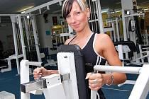 Hana Nachtigalová nazvedá během tréninku tisíce kilogramů.