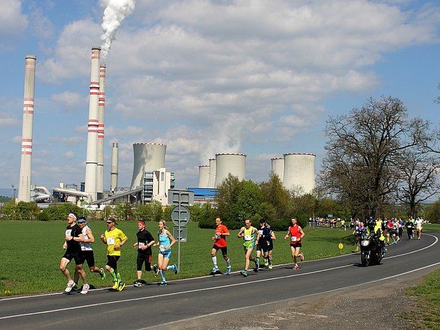 Memoriál Karla Raise startuje tradičně u obce Volevčice nedaleko Elektrárny Počerady