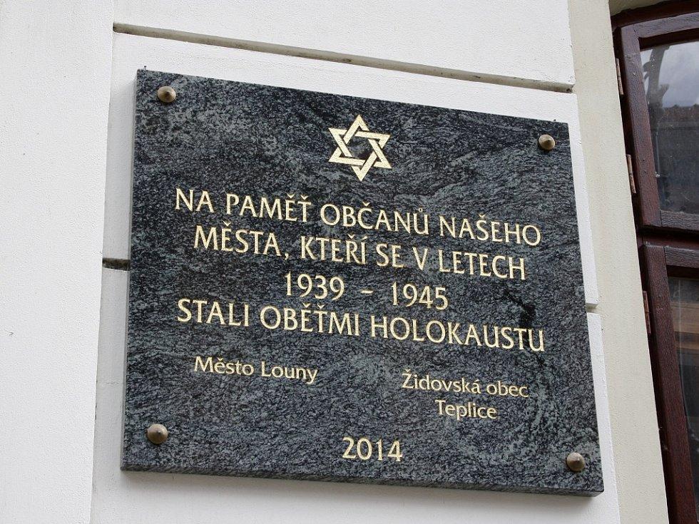 Nová pamětní deska na lounské synagoze