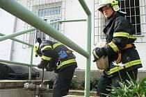 Počeradští hasiči na cvičení ve Věznici Bělušice