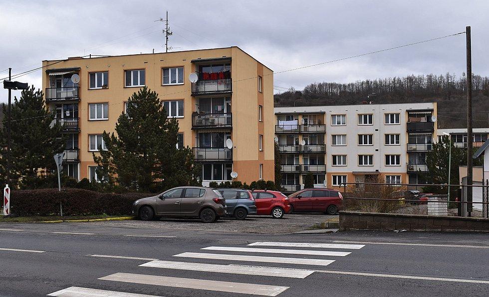 Panelové domy v Žiželicích.