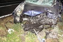Tragická srážka dvou osobních automobilů u žatecké vodárny