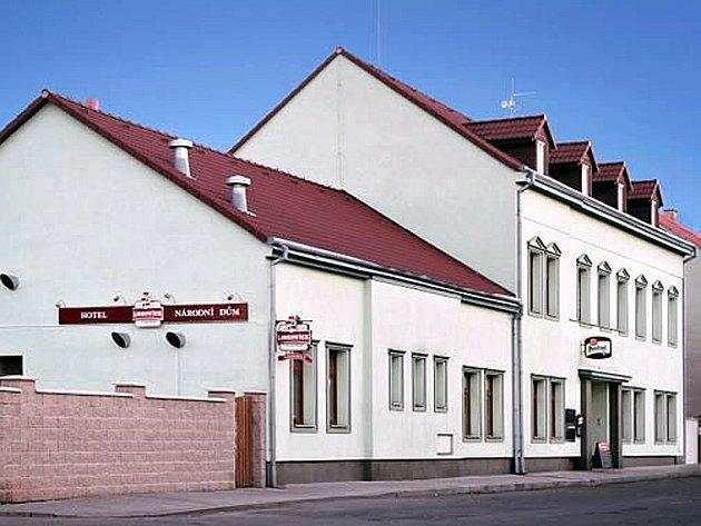 Národní dům v Podbořanech.