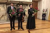 V Žatci vystoupí švédský klavírista Carl Petersson, mexický houslista José A. Alejo i významná česká mezzosopranistka Edita Adlerová (zleva).