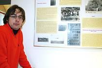 Martin Vostřel z Oblastního muzea Louny při jedné z dřívějších výstav.