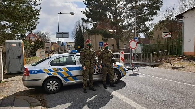 Vojáci ze žateckého 41. mechanizovaného praporu vsoučasné době hlídají státní hranice.