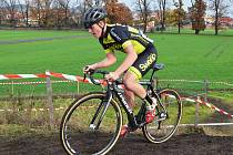 V Lounech se jel národní pohár cyklokrosařů. Domácím jezdcům se dařilo skvěle, vybojovali dvě zlata. Pavel Jindřich (v černém) triumfoval v kategorii juniorů.