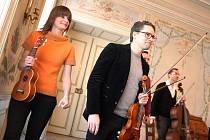 Představení Nůž na ticho, zpívala Andrea Buršová a hrál smyčcový Indigo quartet.