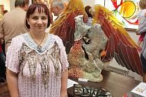 Jitka Kantová na výstavě vitráží v Oseku u Teplic. Archivní foto