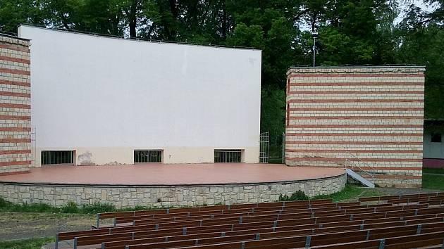 Amfiteátr, bývalé letní kino, na výstavišti v Lounech