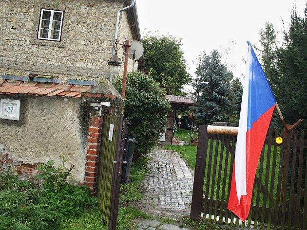 VMradicích na Postoloprtsku mají volební místnost vobýváku rodinného domu