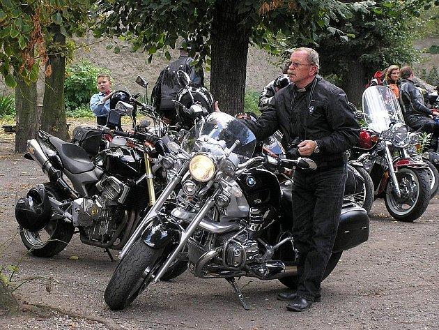 Motosraz v Lounech