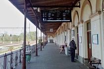 Nová informační tabule na hlavním nádraží v Žatci.