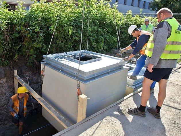 Instalace nových podzemních kontejnerů na tříděný odpad v Olomouci. Ilustrační foto