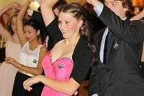 S podzimem se rozjela i tradiční sezona tanečních kurzů. V novém lounském kulturním domě Zastávka proběhnou v úterý taneční pro dospělé a v pátek pro mládež.