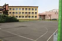 Sportovní areál při ZŠ Jižní v Žatci.