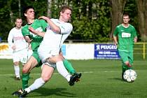 Utkání fotbalistů Nového Boru (v bílém) proti Žatci