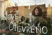 Veronika Tirpáková se vrátila z Kuby. V Žatci si otevřela obchůdek Džungle v bytě.