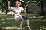 Dokonalý balanc, fyzičku i vtip ukázala provazochodkyně Kiki