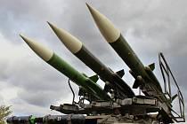 Rakety na odpalovacím zařízení protiletadlového komplexu 2K12 KUB