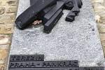 V Lounech si u památníků připomněli Den válečných veteránů
