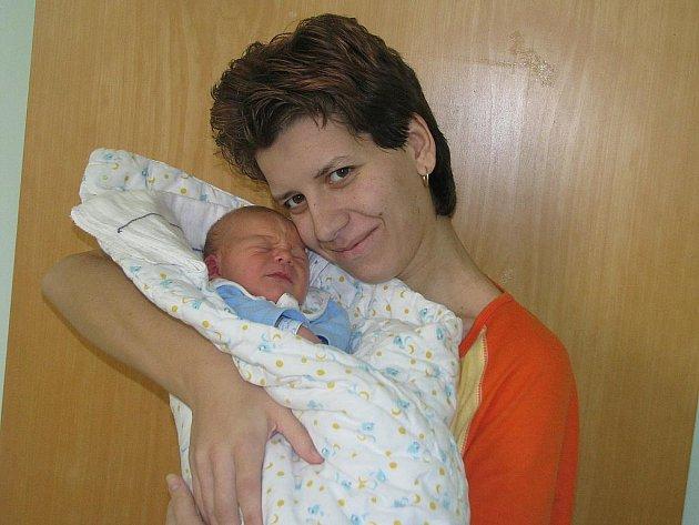Mamince Zdeňce Krejzlové z Nečemic se 17. prosince 2011 ve 20:56 hodin v žatecké nemocnici narodil syn Oldřich Pokorný. Vážil 3,41 kg, měřil 49 cm.