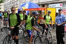 V pátek v podvečer dorazili také cyklisté, kteří během Cesty přátelství zdolali vzdálenost z Barendrechtu do Loun