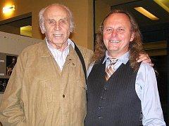 Emil Juliš (vlevo) s peruckým fotografem Mirkem Blažkem