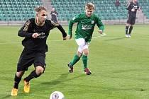 Fotbalisté Loun (v černém) prohráli na půdě Chomutova těsně 0:1.