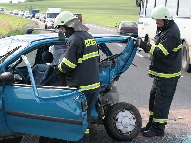 Dopravní nehoda na výjezdu od Elektroporcelánu Louny na tah I/7 v úterý 21. srpna.