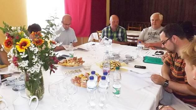 Hodnotící komise s vedením obce Holedeč