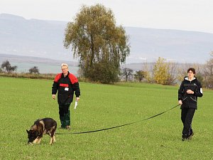 Šampionát mládeže psů stopařů ve Chbanech