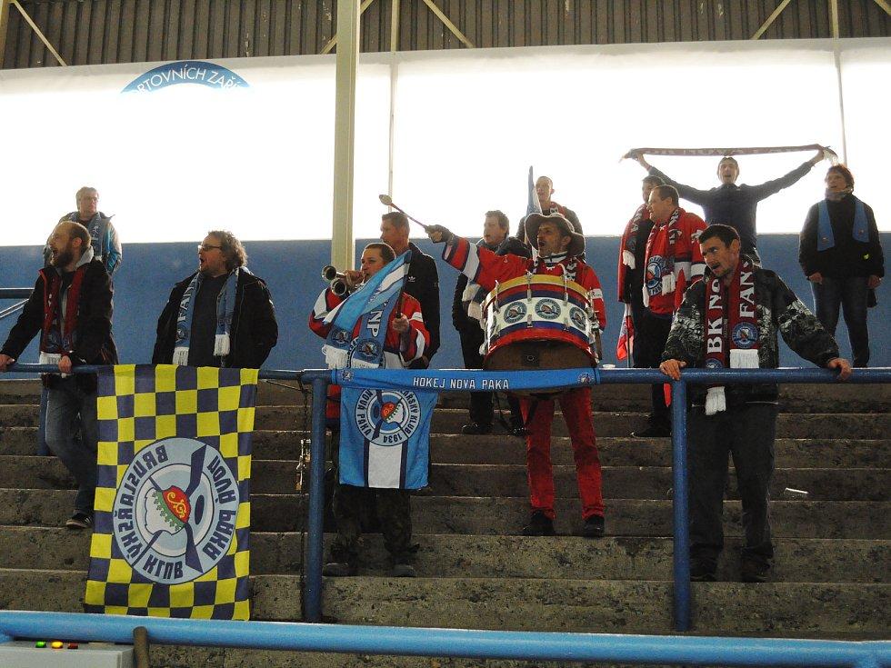 Fanoušci na lounském zimním stadionu