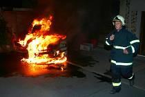 Požár osobního vozu v Seleticích