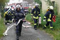 Dobrovolní hasiči z Podbořan předvedli zásah v německém Ehrenfriedensdorfu, jenž je partnerským městem Podbořan.