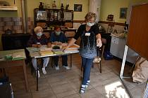 Volby ve Rvenicích u Postoloprt.