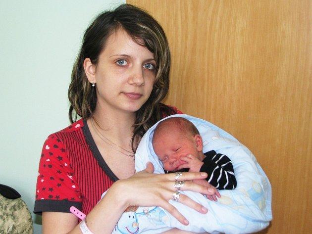 Mamince Sylvii Drinkové z Loun se 27. dubna 2013 ve 2.07 hodin narodil syn Matyáš Drinka. Vážil 2905 gramů a měřil 50 cm.